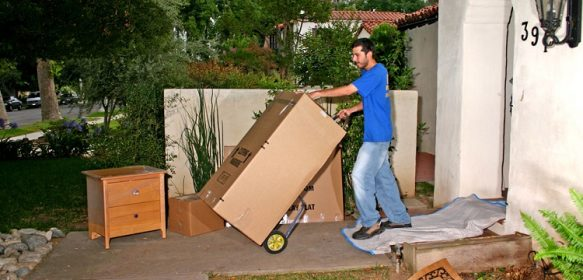 Why A Local Moving Agency Is The Best Option For You